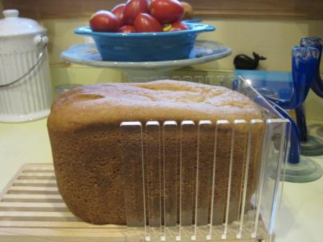 plastic bread slicer